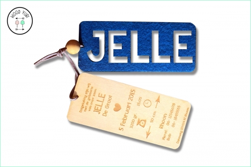 Houten Geboortekaartje Jelle met naam in vilt