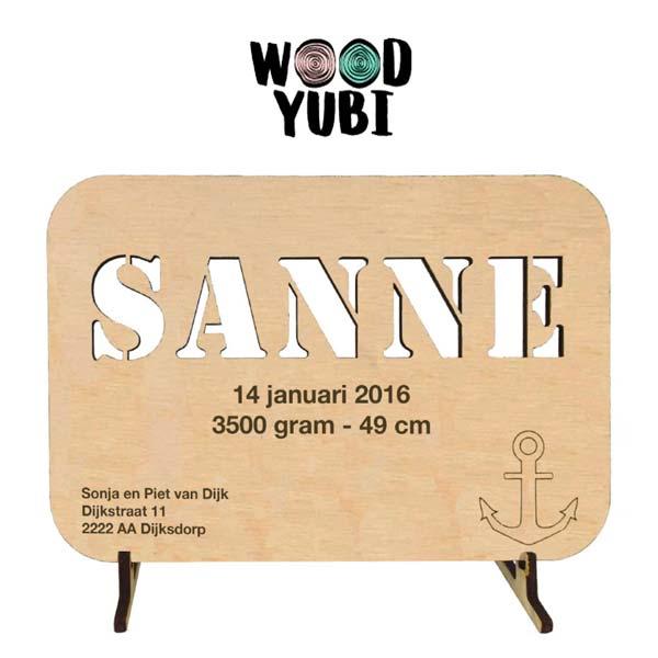 Houten geboortekaartje Sanne