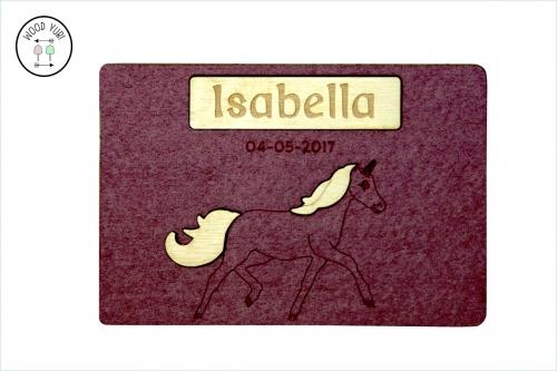 Vilten geboortekaartje met hout Isabella