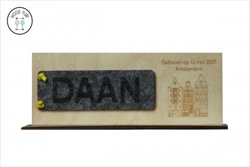 Houten-Geboortekaartje-met-Vilt Daan