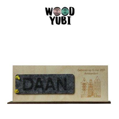 Houten geboortekaartje label Daan