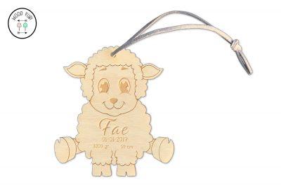 Houten geboortekaartje label schaap