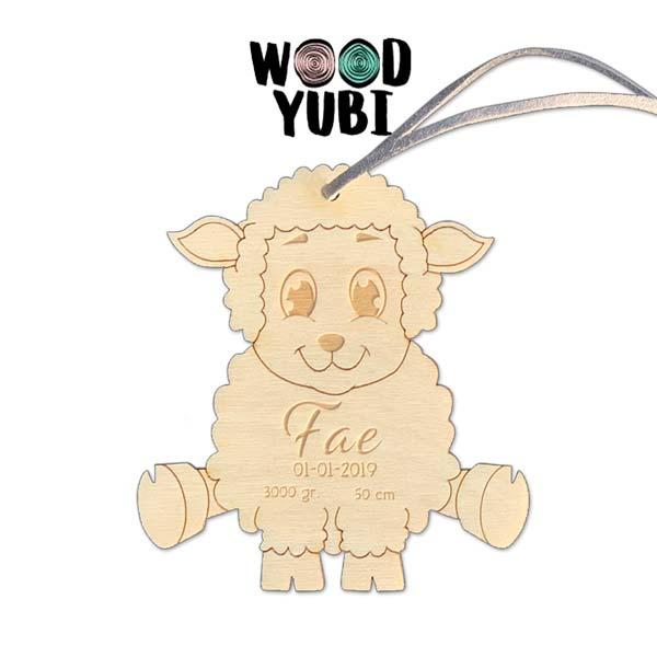 houten geboortekaartje Schaapje