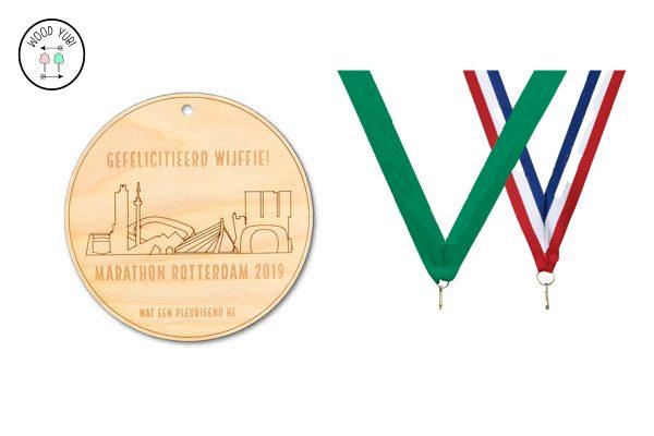 Marathon Rotterdam, Houten medaille Gefeliciteerd Wijffie