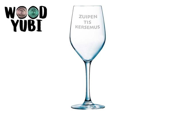 Wijnglas zuipen het is Kersemus