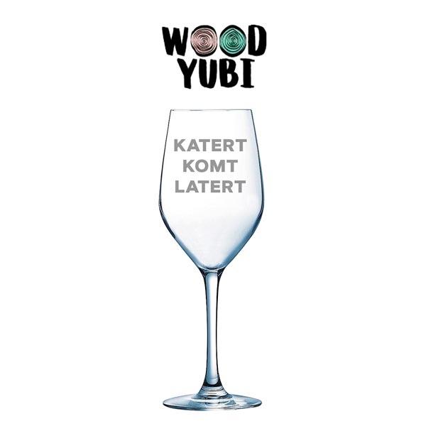Wijnglas Katert Komt Later